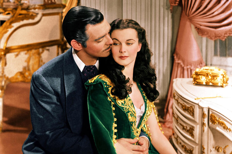 The two characters from 'Gone with the Wind' embrace.