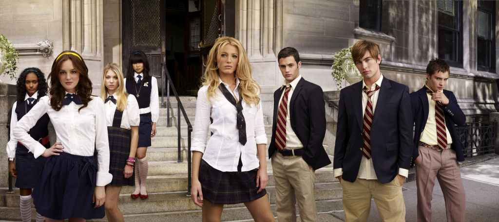 The cast from 'Gossip Girl' stand on the steps of the Met