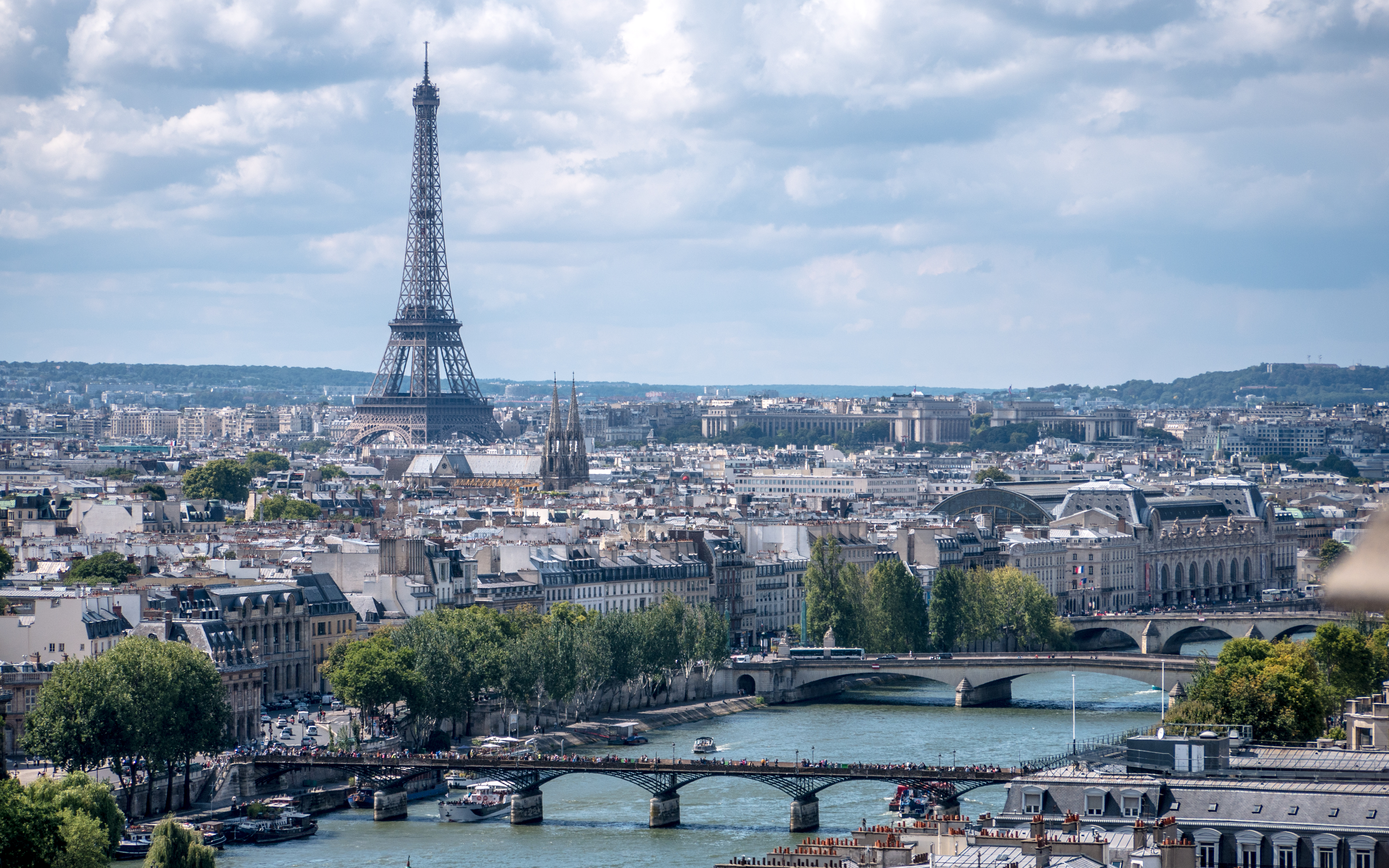 An image of Paris with the amazing Eiffel Tower to the left